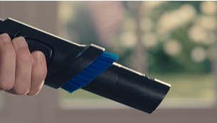 Į rankeną integruotas ir paruoštas naudoti minkštas šepetys