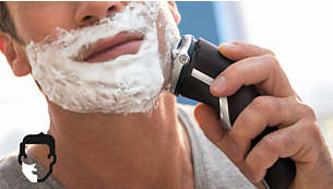 Choose a convenient dry or refreshing wet shave