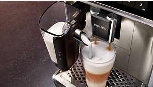 Gosta svilnata mlečna pena z zmogljivim sistemom LatteGo