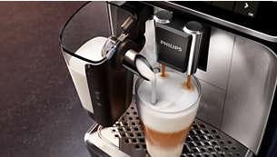Bohatá vrstva napěněného mléka díky vysokorychlostnímu systému LatteGo