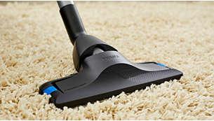 Het mondstuk voor tapijtreiniging glijdt gemakkelijk voor een grondige tapijtreiniging