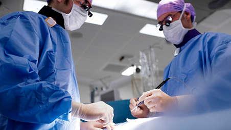 Besonders einfache Bedienung des Röntgensystems im Hybrid-OP