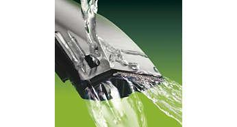 Saugiai išsivalo laikoma po čiaupu