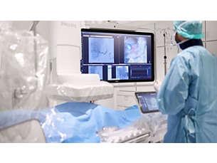 FlexVision Pro Total control desde sala de intervención en mesa de paciente con LCD alta resolución 58''