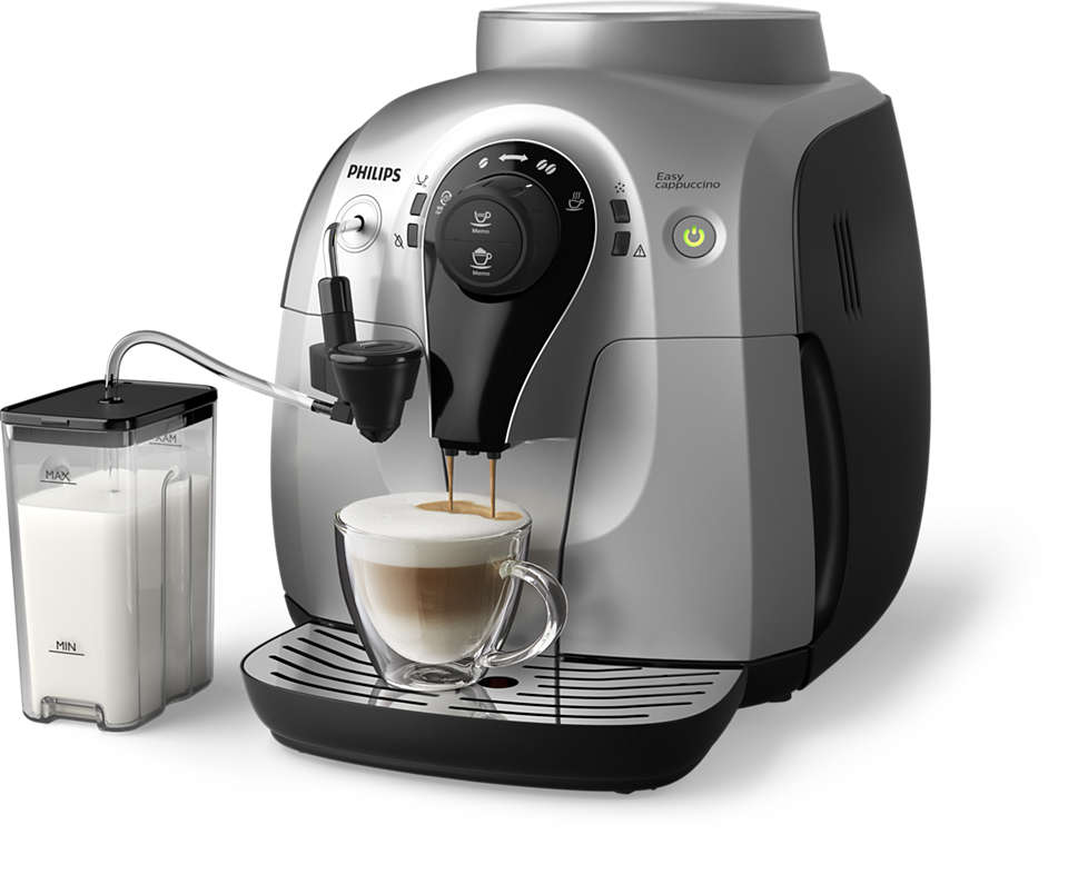 Un gran cappuccino en una cafetera compacta