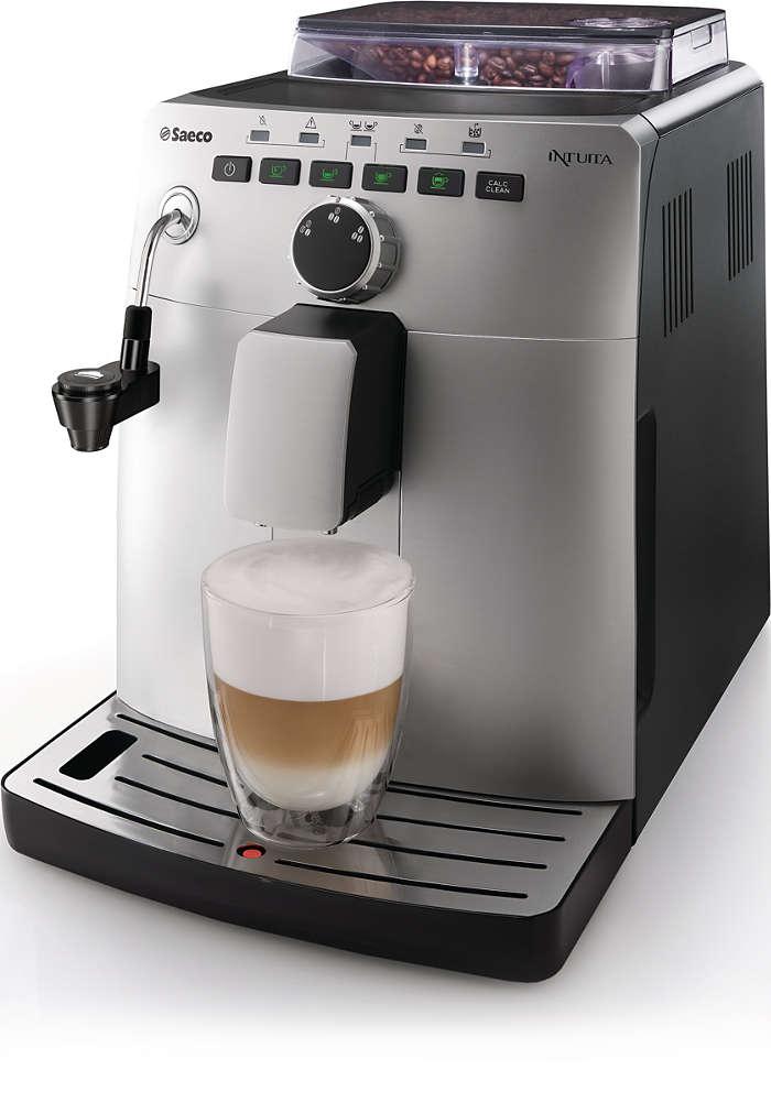 Espresso e cappuccino da chicchi di caffè appena macinati