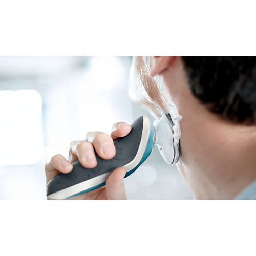 Shaver series 7000 wet & dry electric shaver with precision trimmer