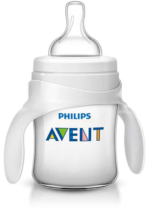Помогите малышу научиться пить из чашки