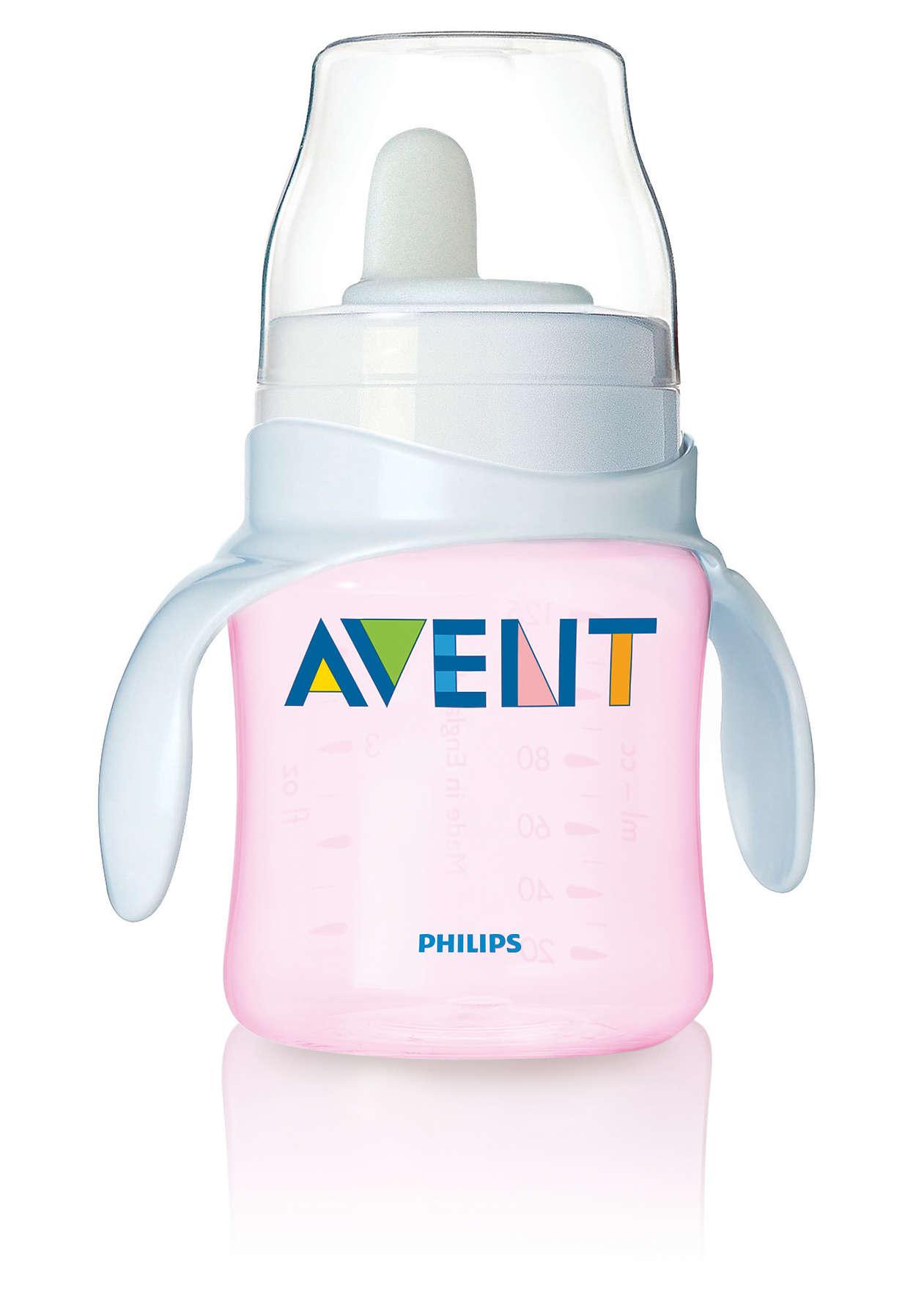 Votre bébé commence à boire dans un gobelet
