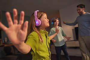Kids wireless on-ear headphones TAK4206PK/00 | Philips
