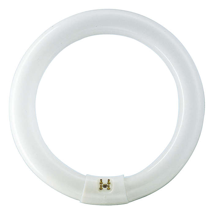 Circular shaped fluorescent lighting with improved color rendering