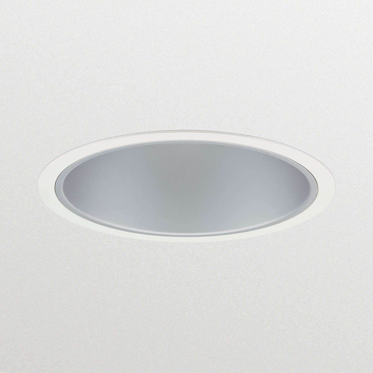 LuxSpace recessed – high efficiency, visual comfort and a stylish design