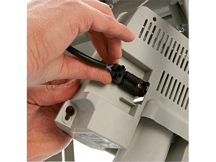 Gear tray easy to connect