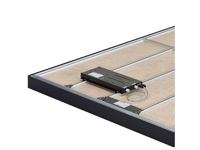 Устанавливаемая сзади панели электрическая коробка