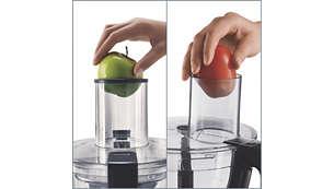 Широкая камера подачи ингредиентов вмещает фрукты и овощи целиком