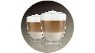 Wystarczająca ilość mlecznej pianki na 2 cappuccino