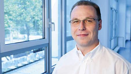 Dr. H. Schröfel: